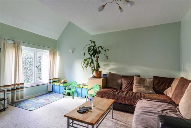 3 Bedroom End Of Terrace House For Sale In Arncliffe Drive Heelands Milton Keynes Mk13