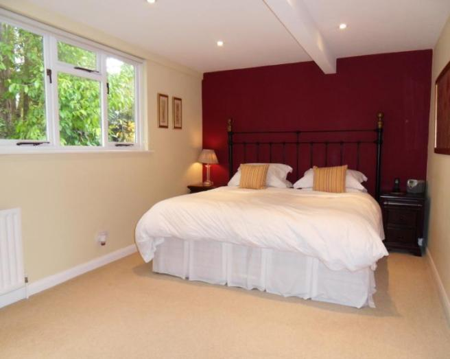 gallery for maroon and white bedroom ideas