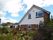 3 bed Detached property in Aylesbury Avenue...