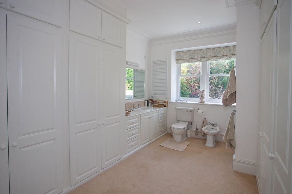 6 bedroom town house for sale in alards rockland road grange over sands cumbria la11 7hr la11 Master bedroom ensuite and dressing room