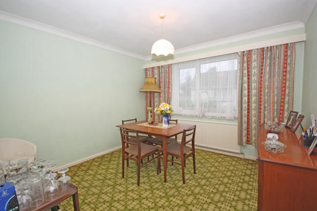 Bed 4/Dining room