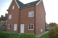 4 bedroom semi detached house in 21 Carnaby Close...