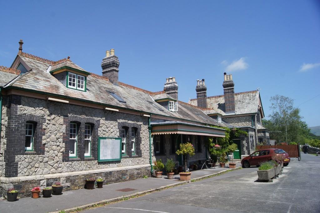 Old Tavistock Rai...