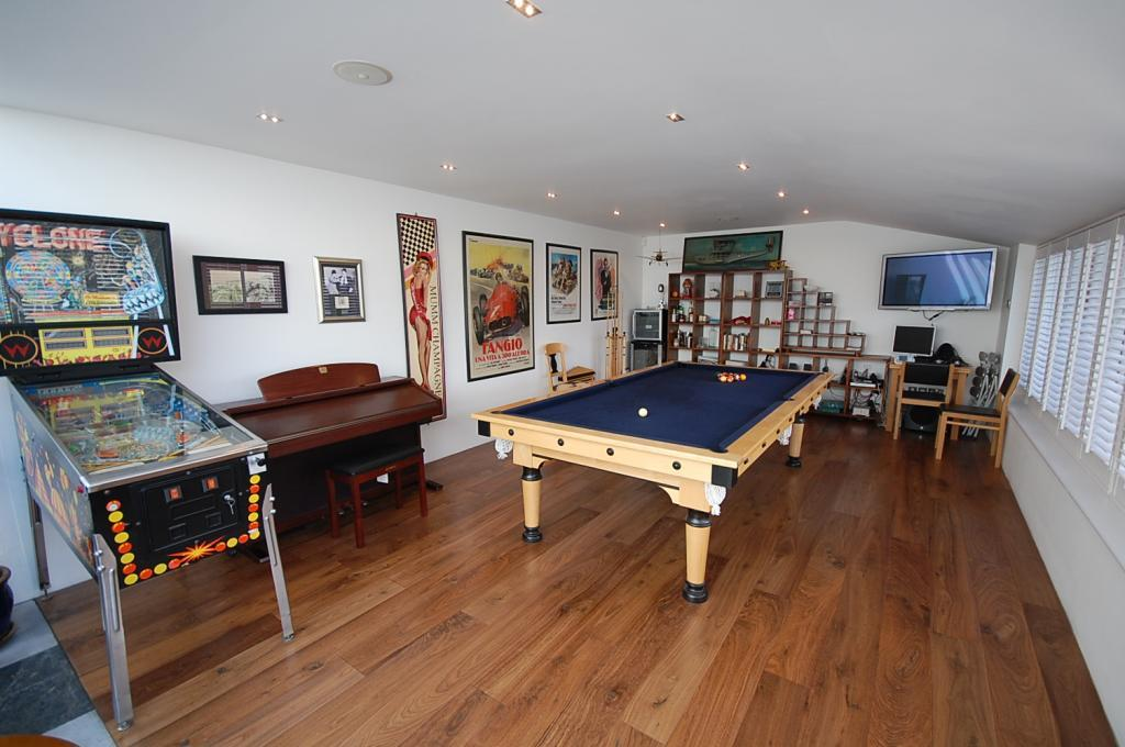 Click to see a larger image for Pool room design uk