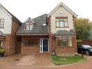 4 bedroom Detached house in Willow Grove, Caddington...