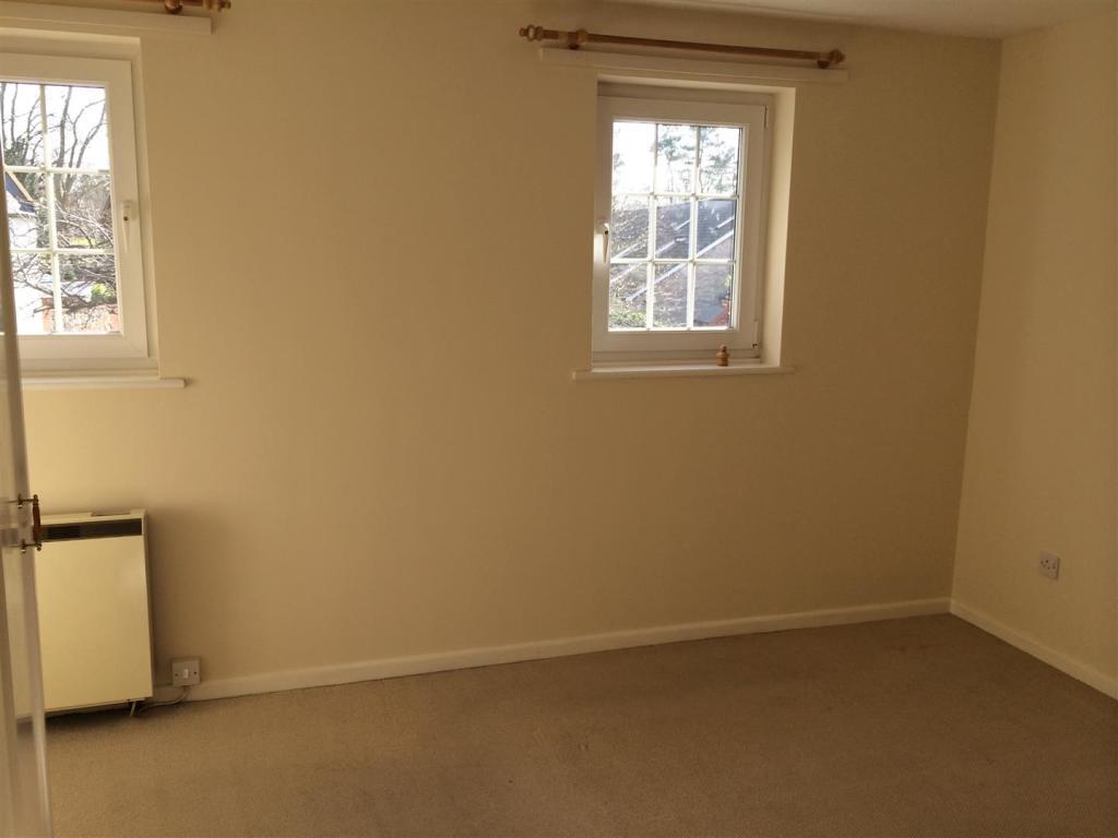new bedroom pic.JPG