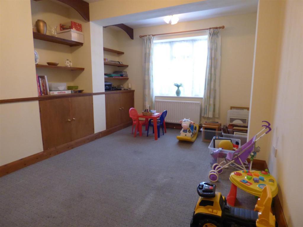 Family room/play roo