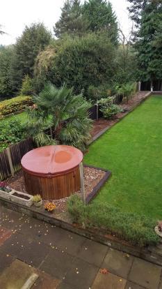 Rear garden / hot tu