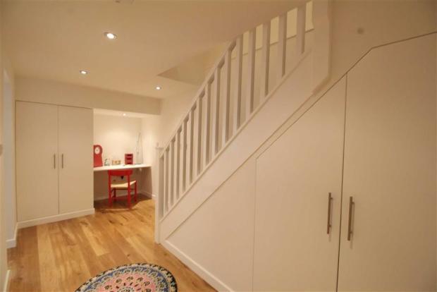 Private Hallway/ Stu