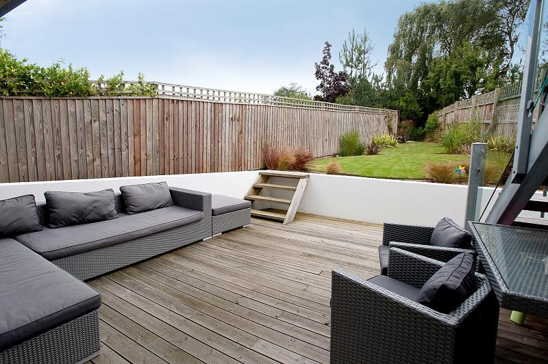 Decking landscaped garden design ideas photos for Garden design decking areas