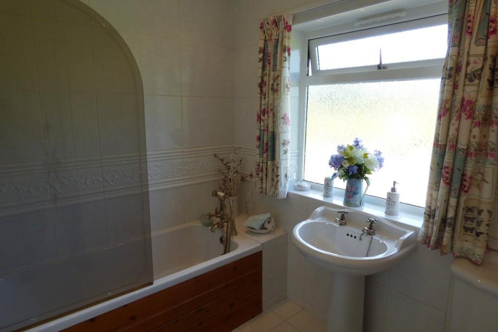 Bathroom, Holling...