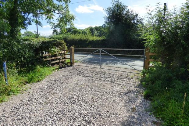 Gated Access, Hol...