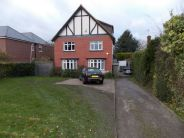 5 bedroom Detached home in Rochester