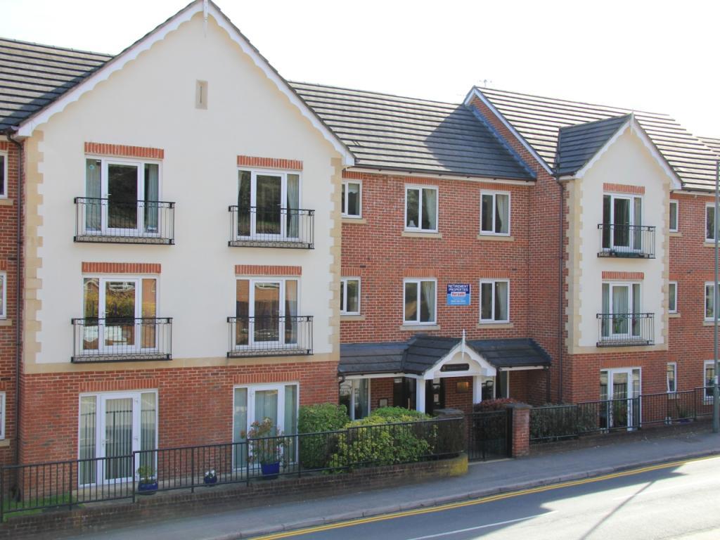 1 Bedroom Apartment For Sale In Pegasus Court Caterham Stafford Road Caterham Cr3 6td Cr3
