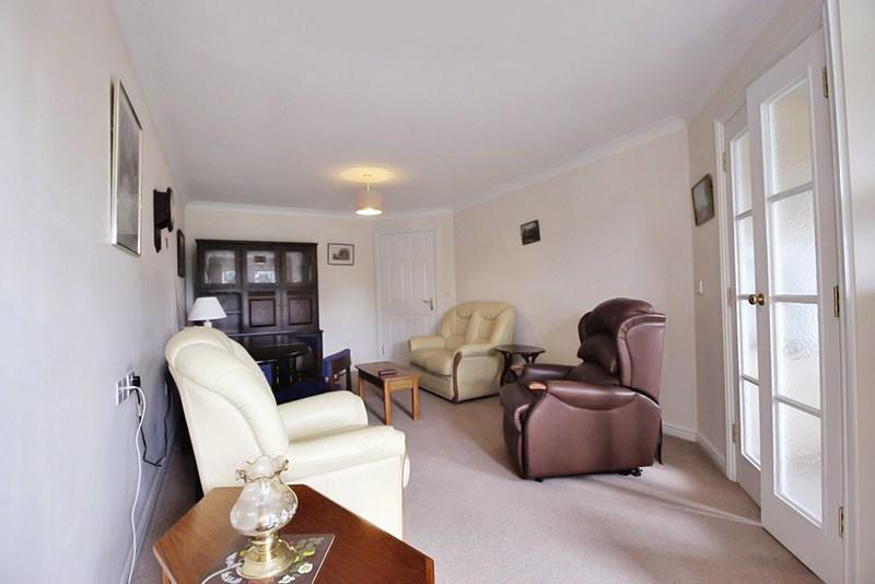 Living room (R...