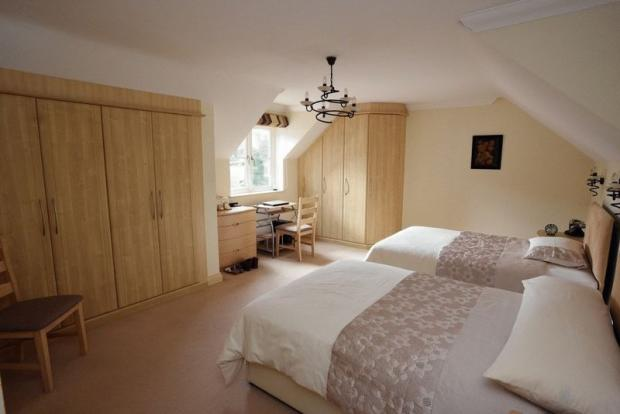 Bedroom leadin...
