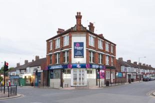Squires Estates, Finchleybranch details