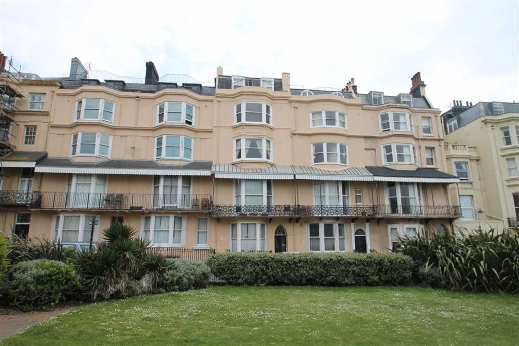 1 Bedroom Flat To Rent In Bedford Square Brighton East Sussex Bn1 Bn1