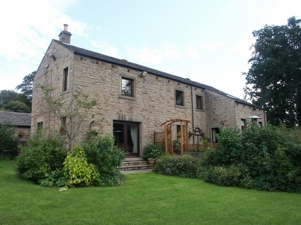 5 Bedroom Farm House For Sale In Alkincoats Hall Farm Red Lane Colne Bb8 9tb Bb8