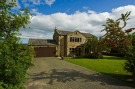4 bed Detached property in Becketts Close...