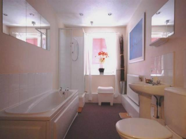 Wootton Close Bathroom