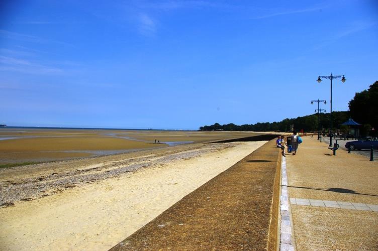 RYDE SEA FRONT.JPG