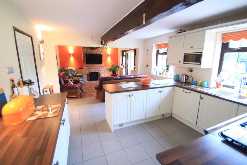 Living kitchen dinin