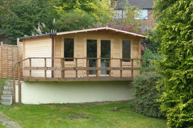 Wood Cabin/Office