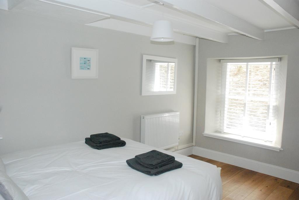 2nd Bed 3.JPG