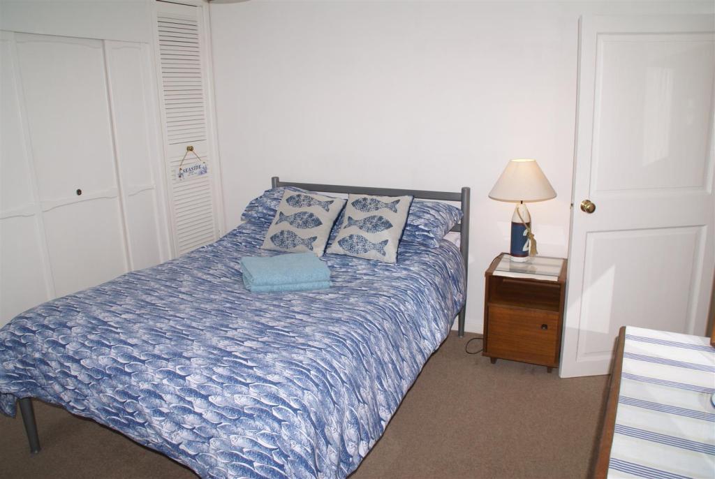 bed flat.JPG