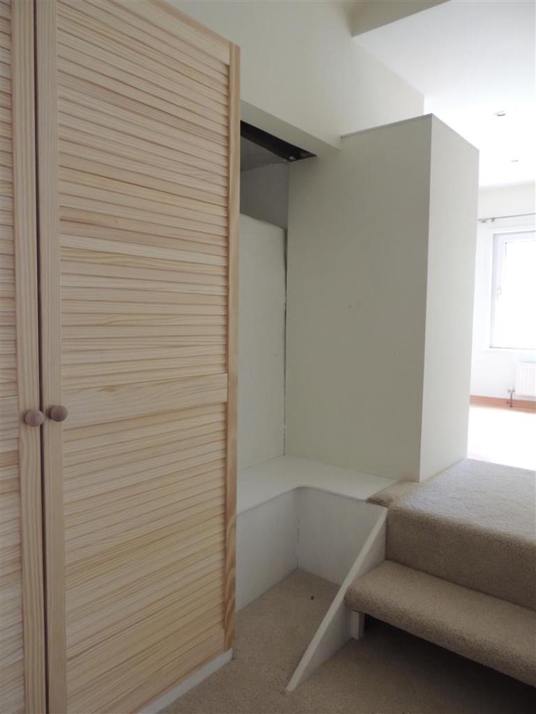 Bedroom 1: (Wardrobe