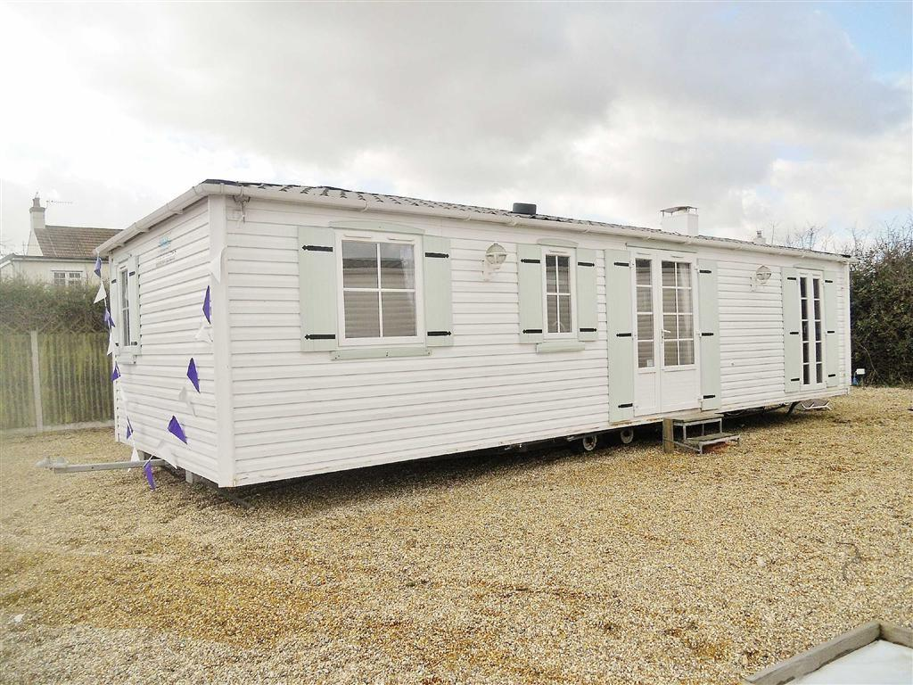 2 Bedroom Mobile Home For Sale In Highfield Grange Clacton On Sea Co16