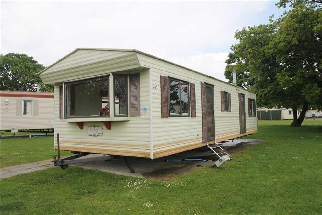 3 Bedroom Mobile Home For Sale In Highfield Grange Clacton On Sea Co16