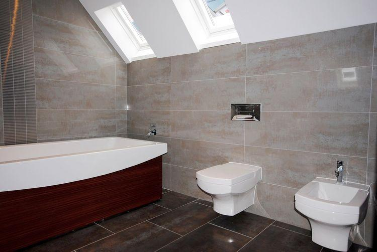 Ensuite bathroom master suite