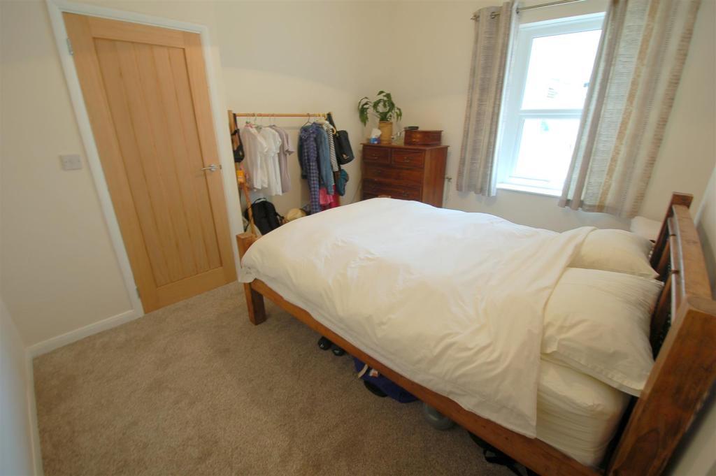 Bed 1 C.jpg