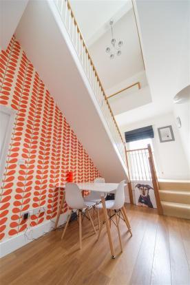 Hallway (2).jpg