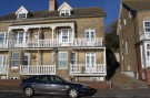 4 bedroom house in Undercliff Road West...