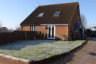 1 bed semi detached home to rent in Brightwell Close...