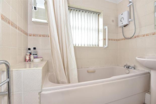34 Repton Way - Bath