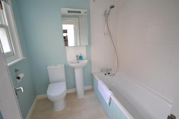 137 New Rd bathroom 1.JPG