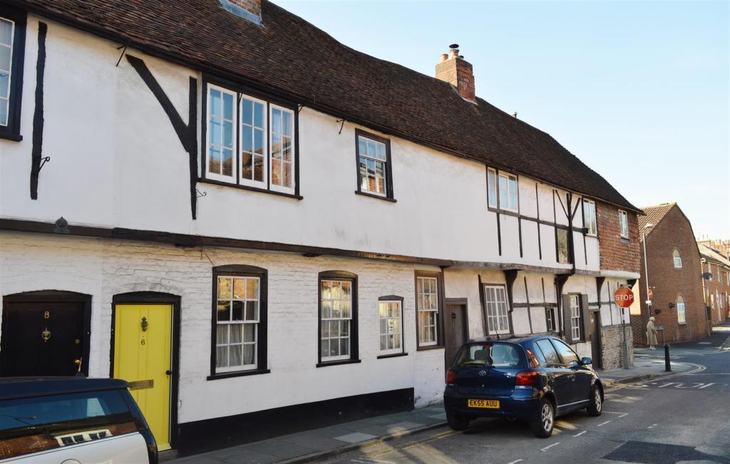 6 Guilder Lane-front