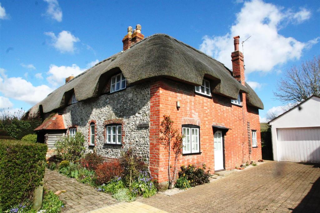 Flint Cottage-side.j