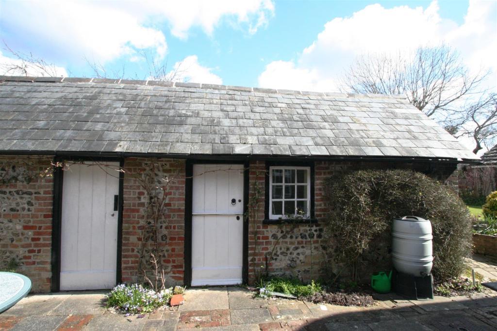 Flint Cottage-outbui