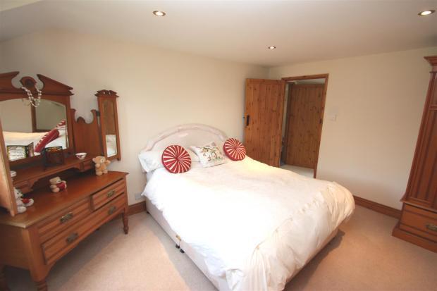 Holme Farm-bedroom.j