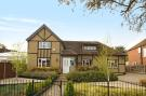 4 bed Cottage in Park Avenue, Ruislip...