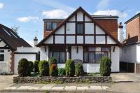 3 bed Detached house for sale in Hill Rise, Ruislip...
