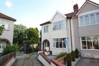 3 bedroom semi detached property in Hollyleigh Avenue...