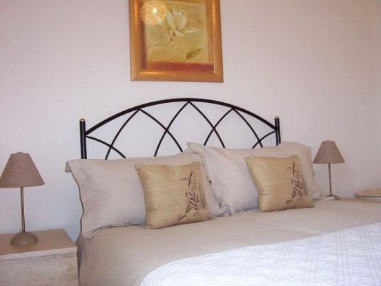05 Bedroom