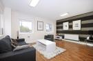 2 bed Flat to rent in The Green, UB2