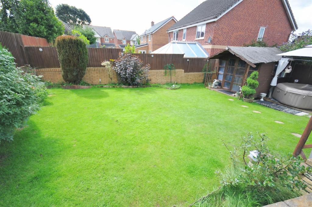 Front & rear gardens